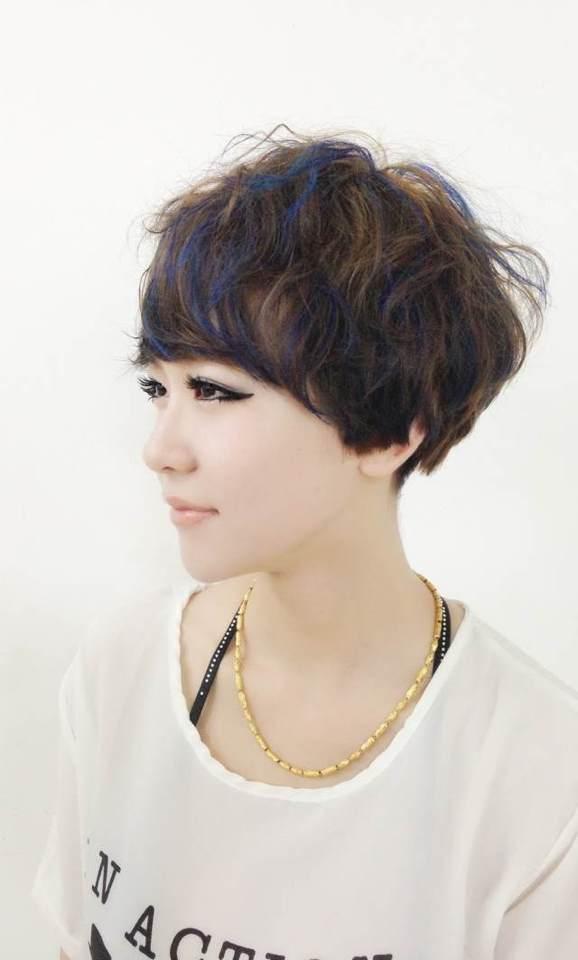 《女士短发》图片